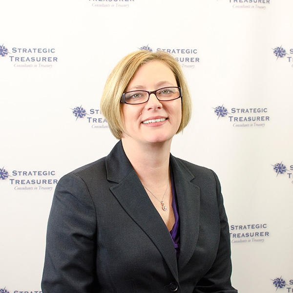 Stephanie Villatoro, Senior Treasury Consultant